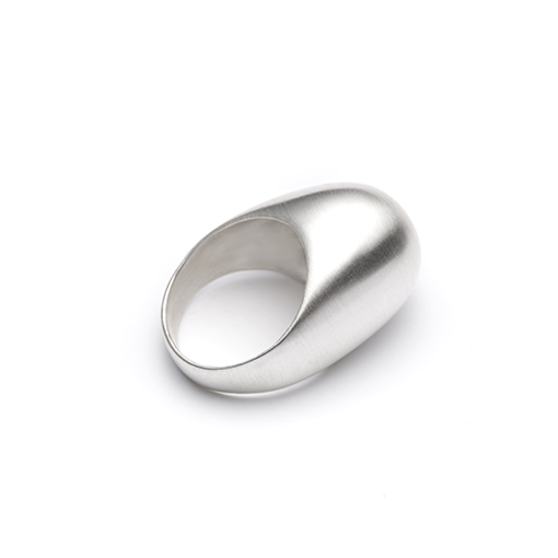 The Le Corbusier ring from The Modernists collection is handmade by Julie Bégin using pure sterling silver.