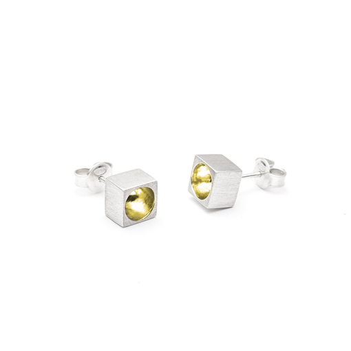 The Kahn earrings from The Modernists collection are handmade by Julie Bégin using pure sterling silver with 14k yellow gold.