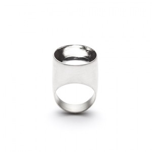 Saarinen ringThe Saarinen ring from The Modernists collection is handmade by Julie Bégin using pure sterling silver.