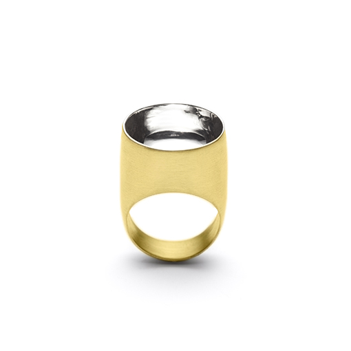 The Saarinen ring from The Modernists collection is handmade by Julie Bégin using pure 14k yellow gold and 14k white gold.