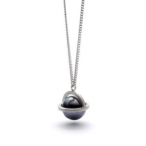 The Foster necklace from The Modernists collection is handmade by Julie Bégin using pure sterling silver and a genuine Tahitian pearl.