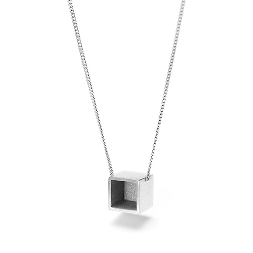 The Safdie necklace from The Modernists collection is handmade by Julie Bégin using pure sterling silver.